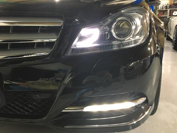 メルセデスベンツ W204 Cクラス デイライトコーディング!オートライト消灯時間短縮コーディングコーディング施工!